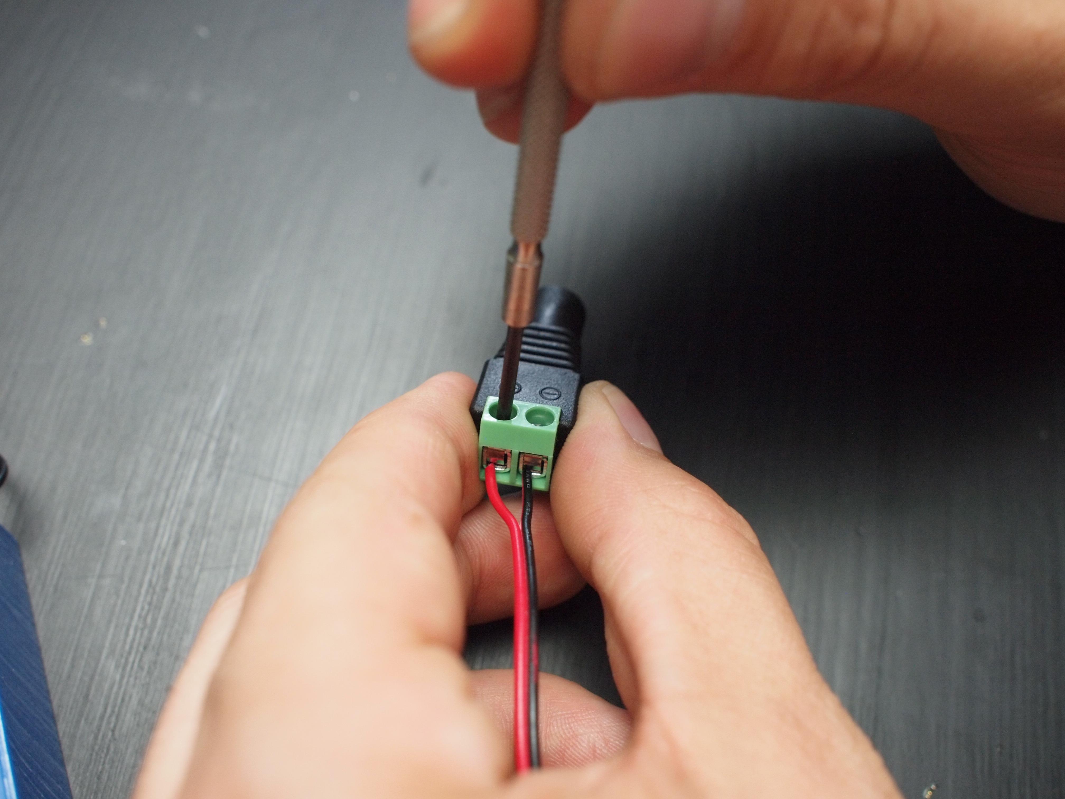 el_wire_tape_panel_dc_adapter.jpg