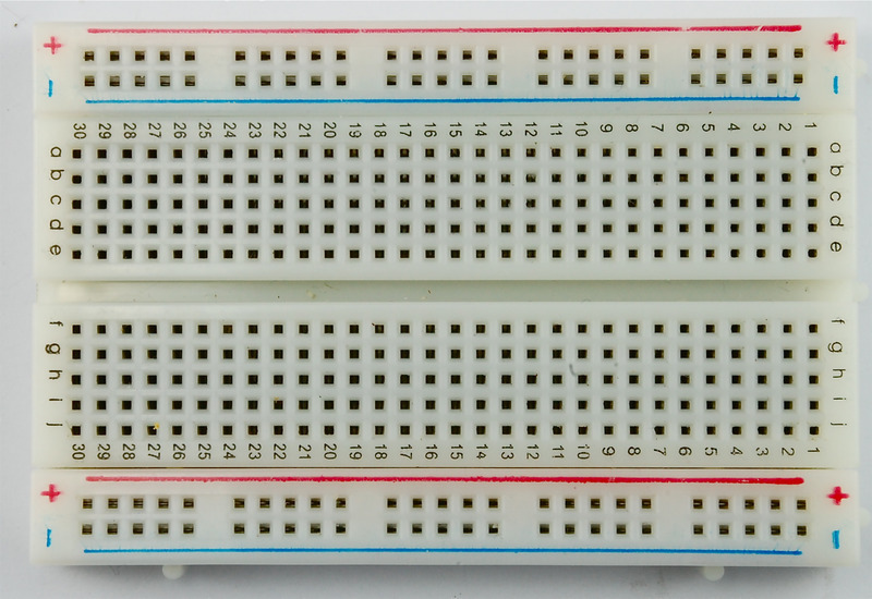 learn_arduino_breadboard_half.jpg?139678