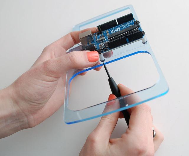 adafruit_products_bento-10-tightenscrews.jpg
