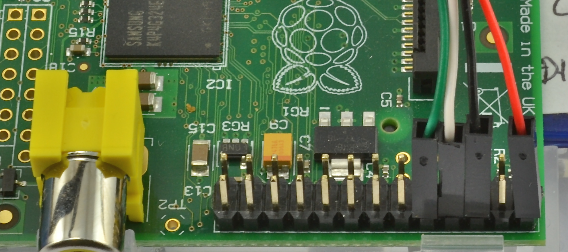 learn_raspberry_pi_gpio_closeup.jpg
