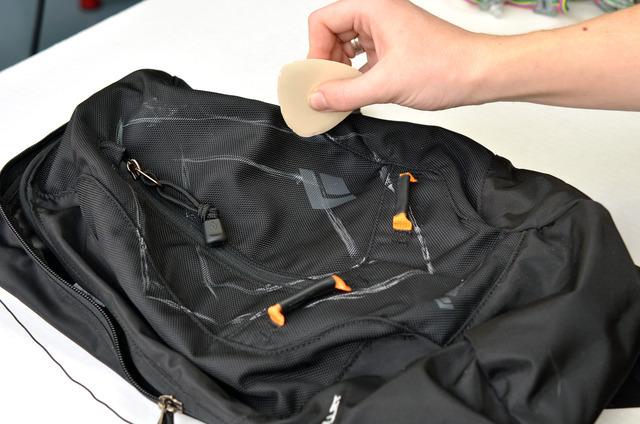 flora_motorcycle-backpack-02.jpg