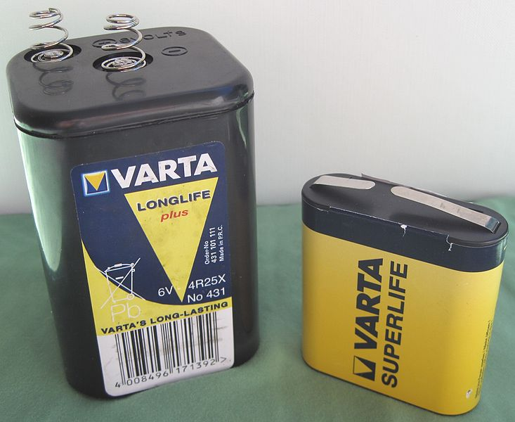 components_733px-Lantern_battery_comparison-1.jpg