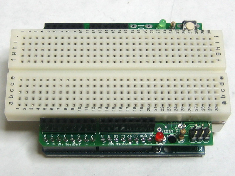 learn_arduino_breadproto2.jpg