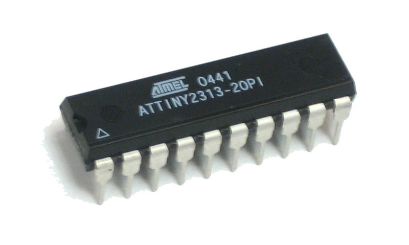 adafruit_products_attiny2313dip.jpg