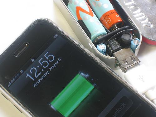 adafruit_products_iPhonecharging.jpg