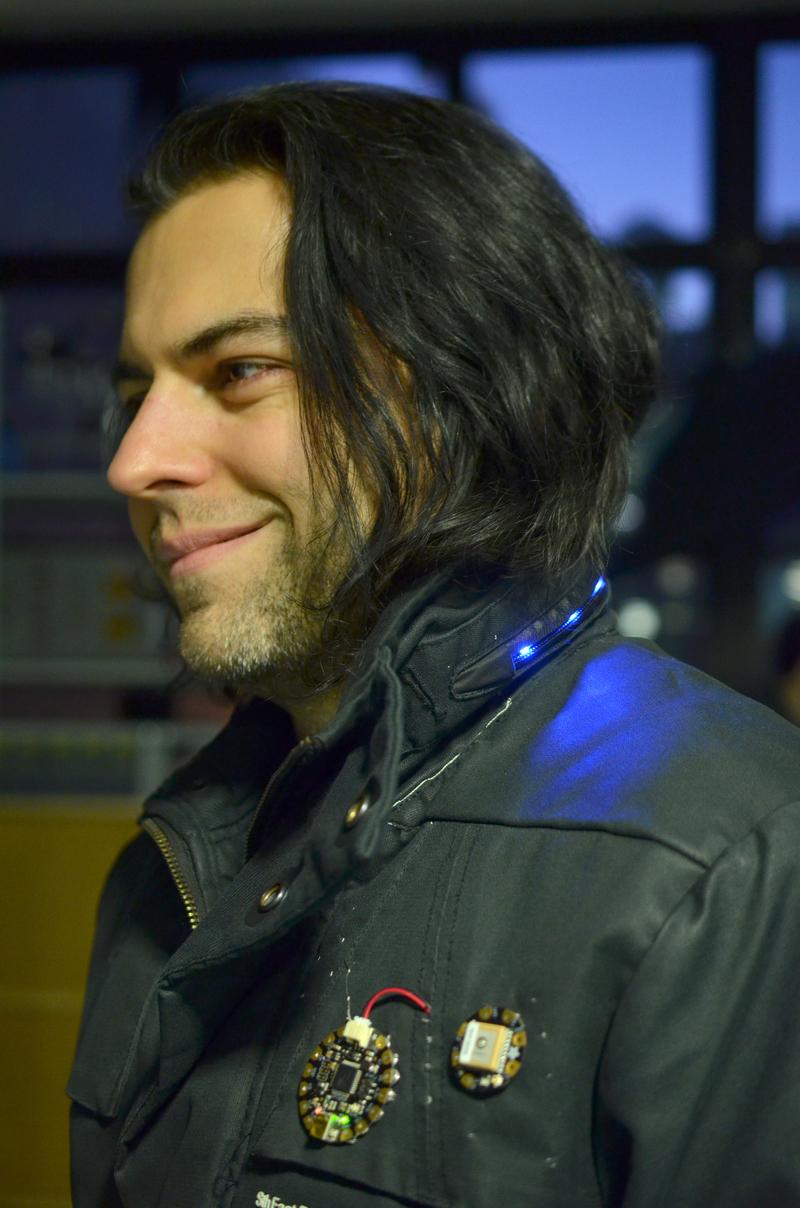 learn_arduino_gps-jacket.jpg