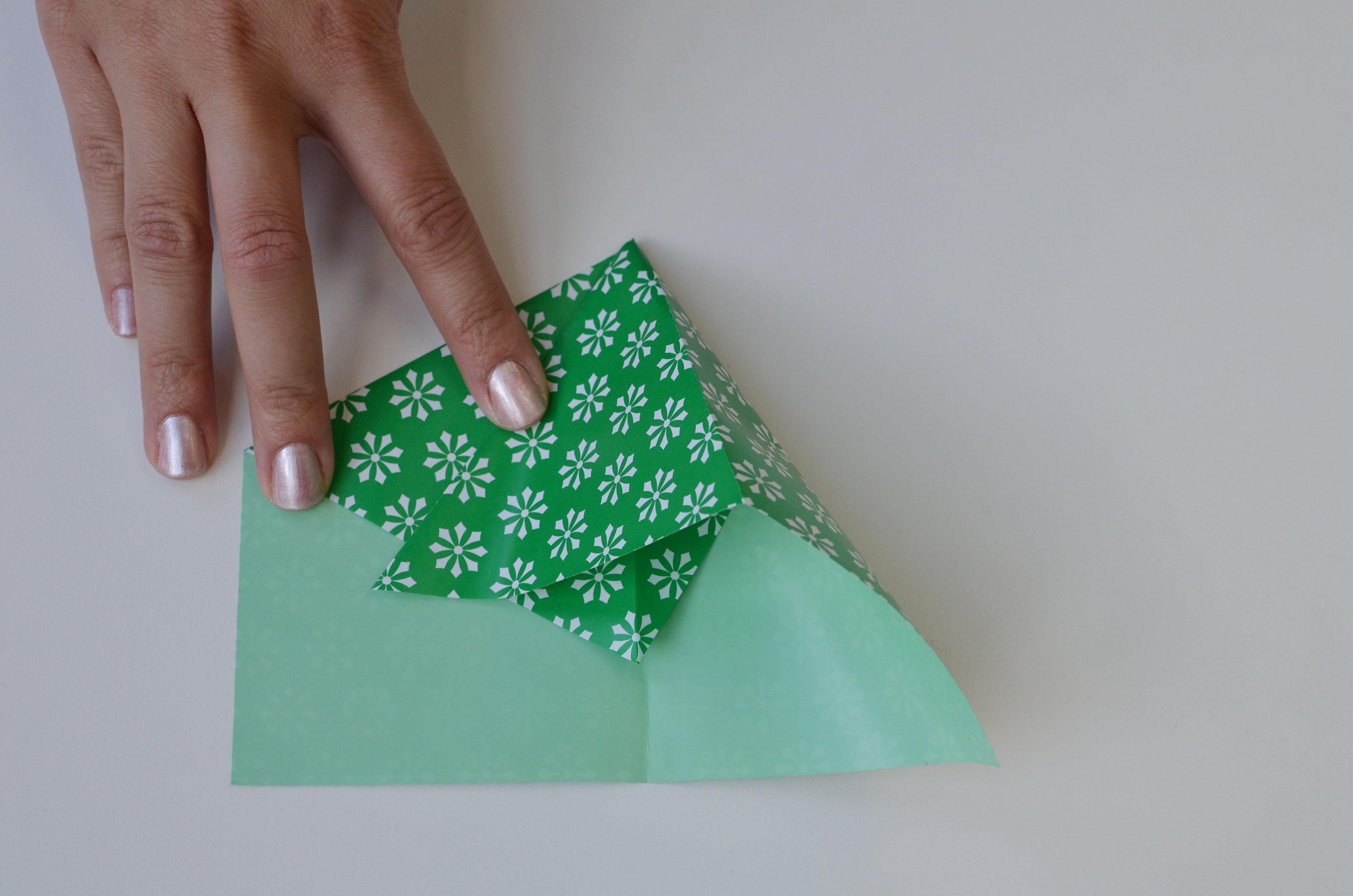 braincrafts_frog_origami_pt8.jpg