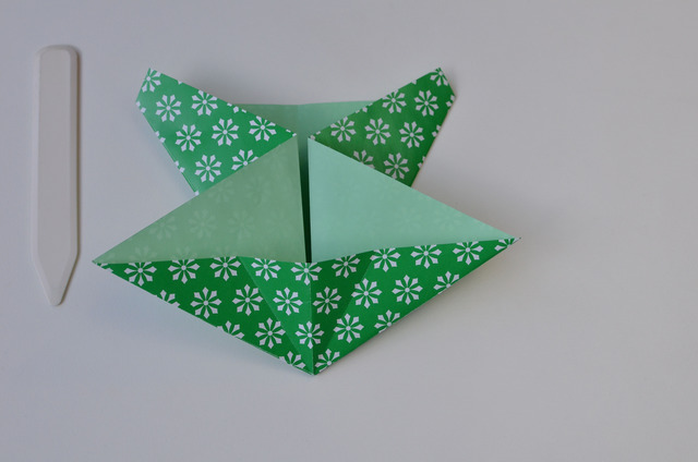 braincrafts_frog_origami_pt16.jpg
