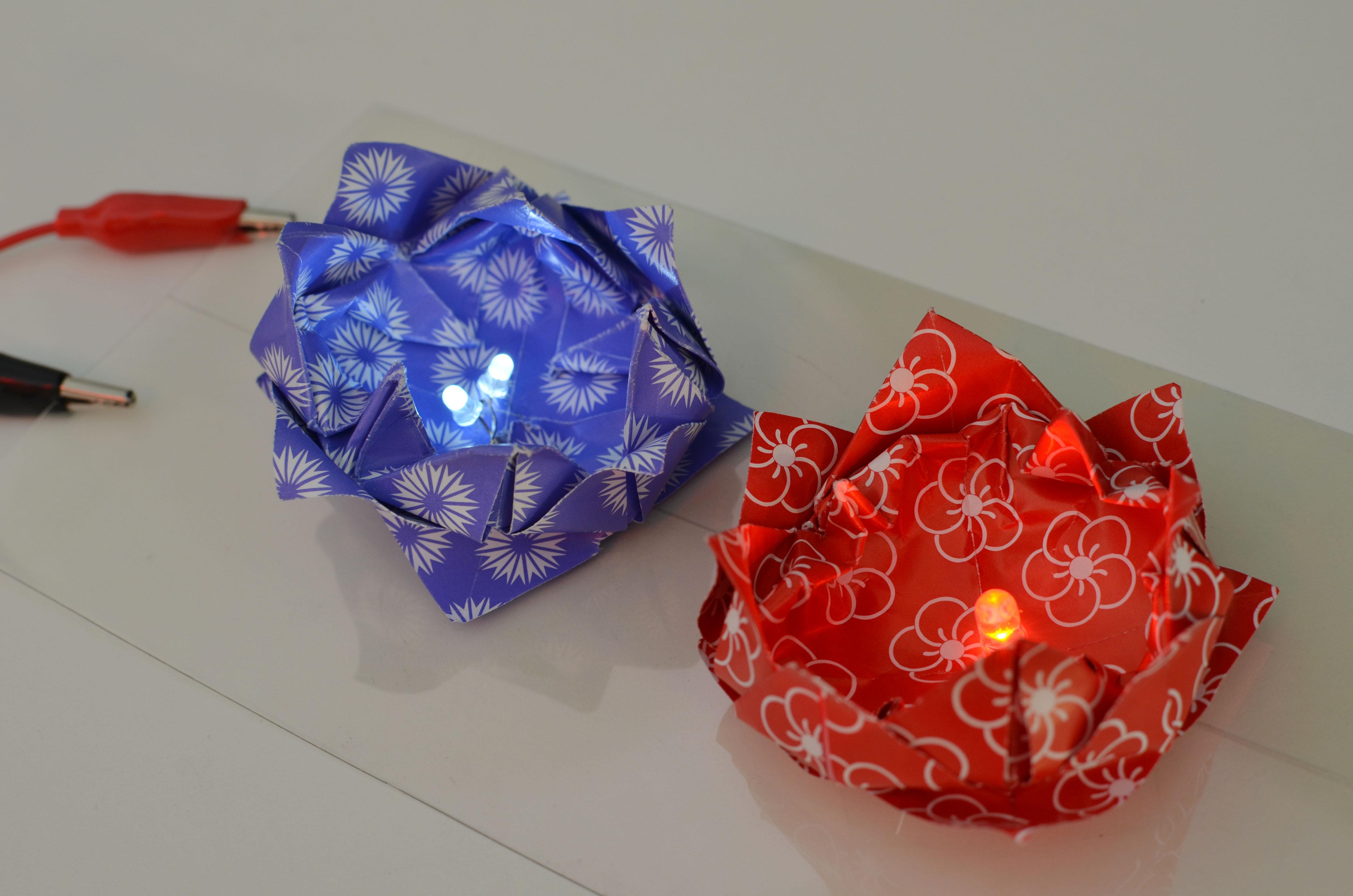 braincrafts_lotus_origami_led_setup.jpg