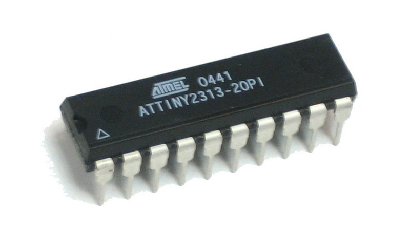 projects_attiny2313dip.jpg