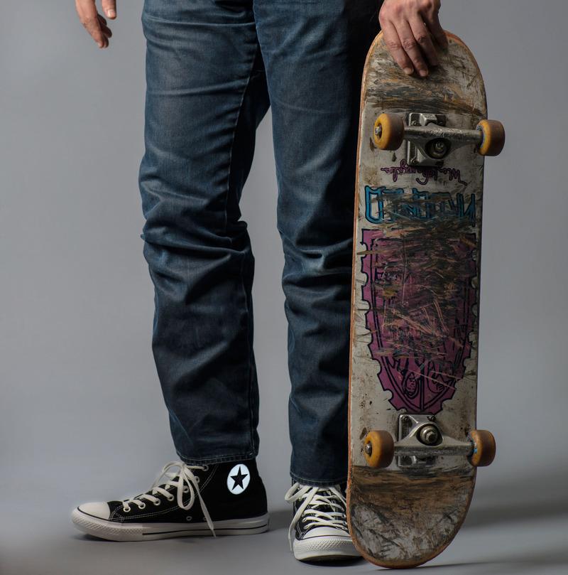 el_wire_tape_panel_glowing-chucks-adafruit-skateboard.jpg