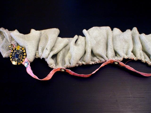 flora_chameleon-scarf-24.jpg