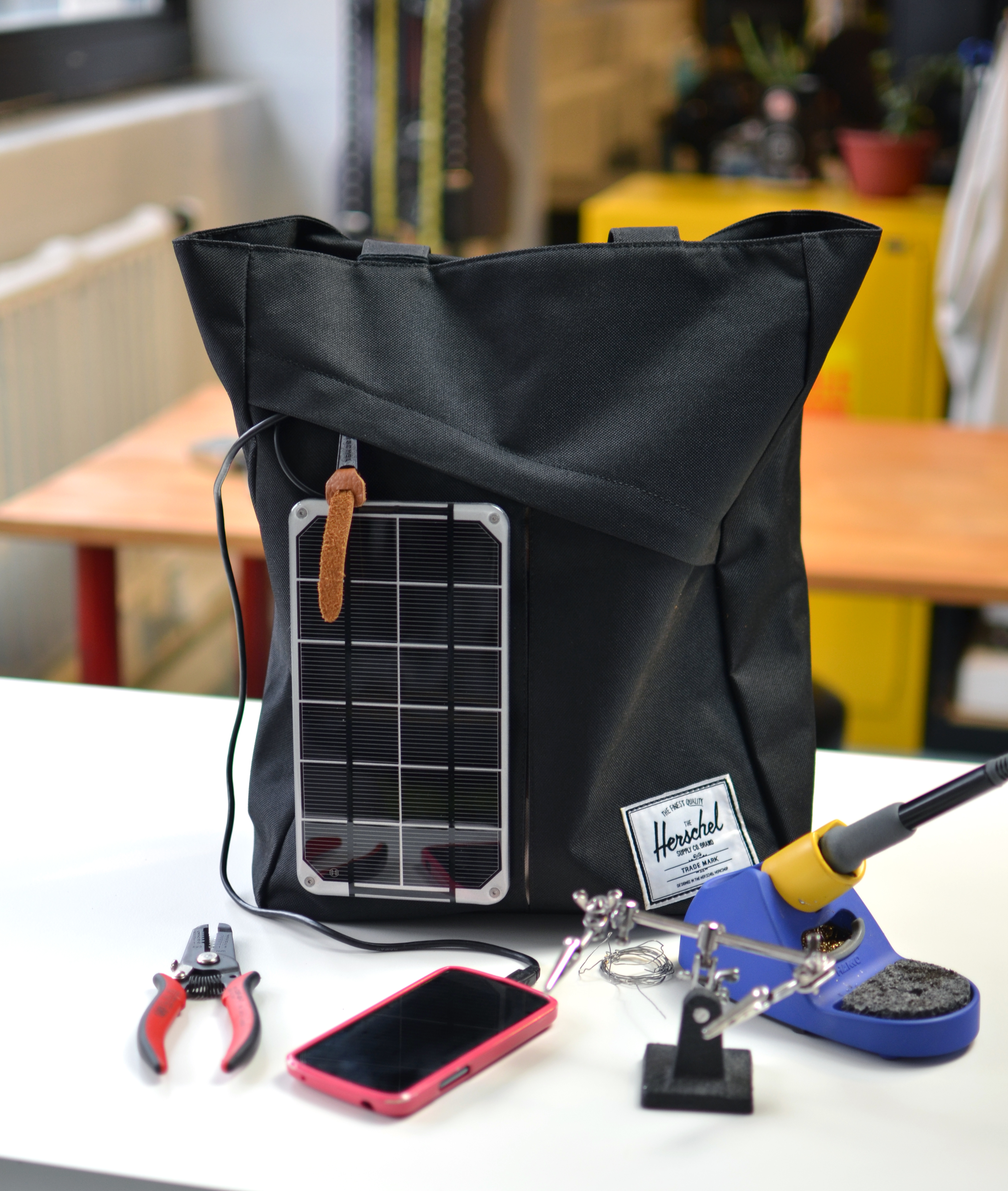 projects_solar-bag-minty-boost-adafruit.jpg