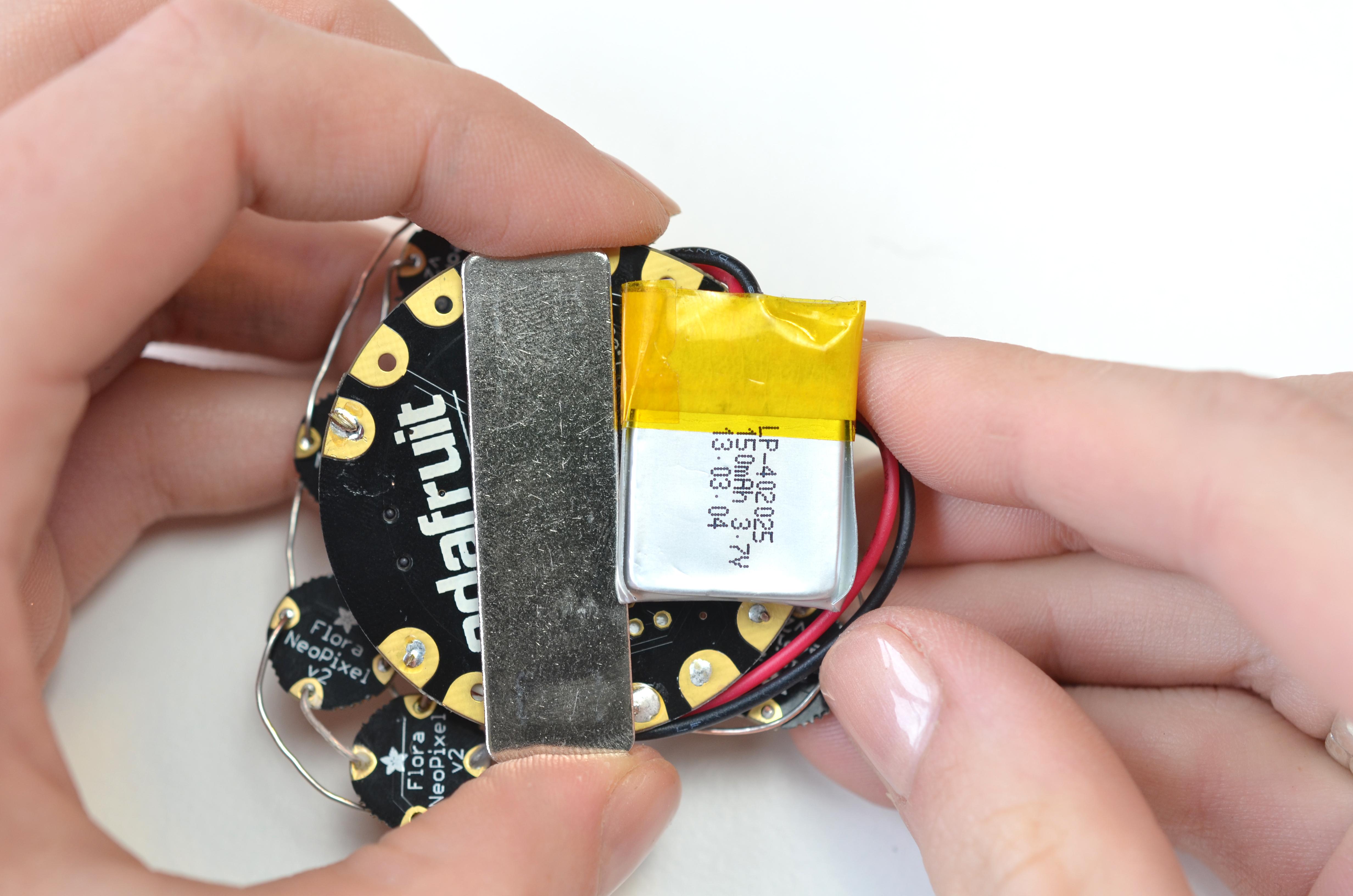 flora_adafruit-heart-rate-brooch-08.jpg