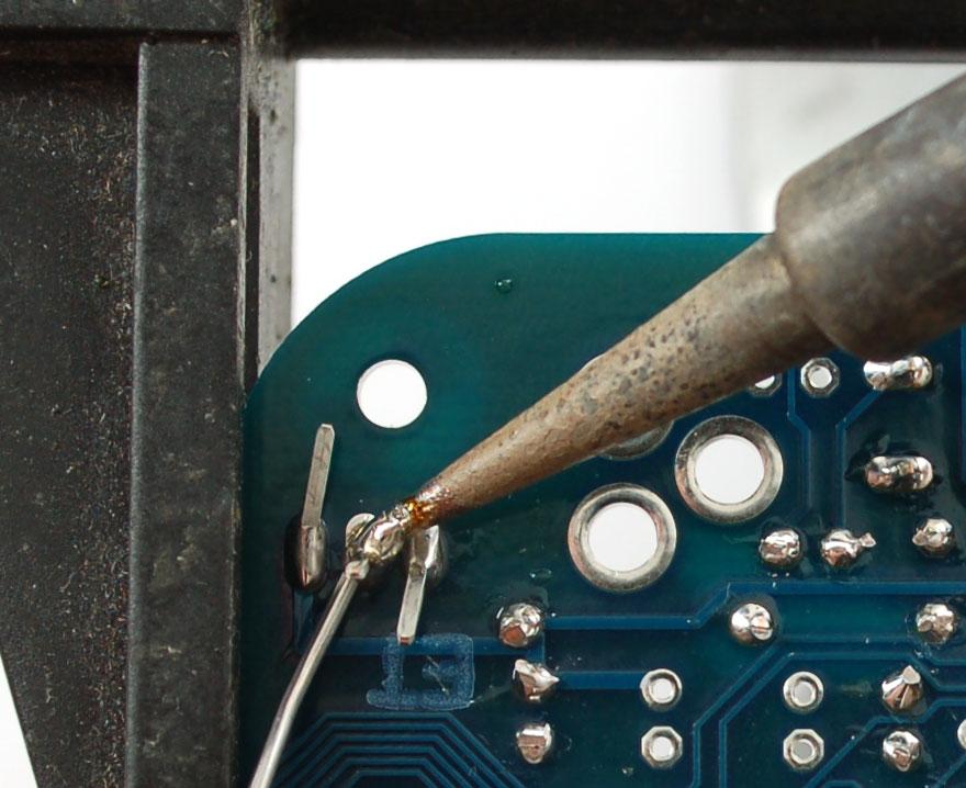 adafruit_products_7805solder.jpg