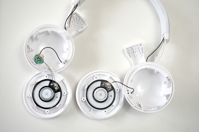 flora_glowing-skullcandy-headphones-adafruit-00.jpg