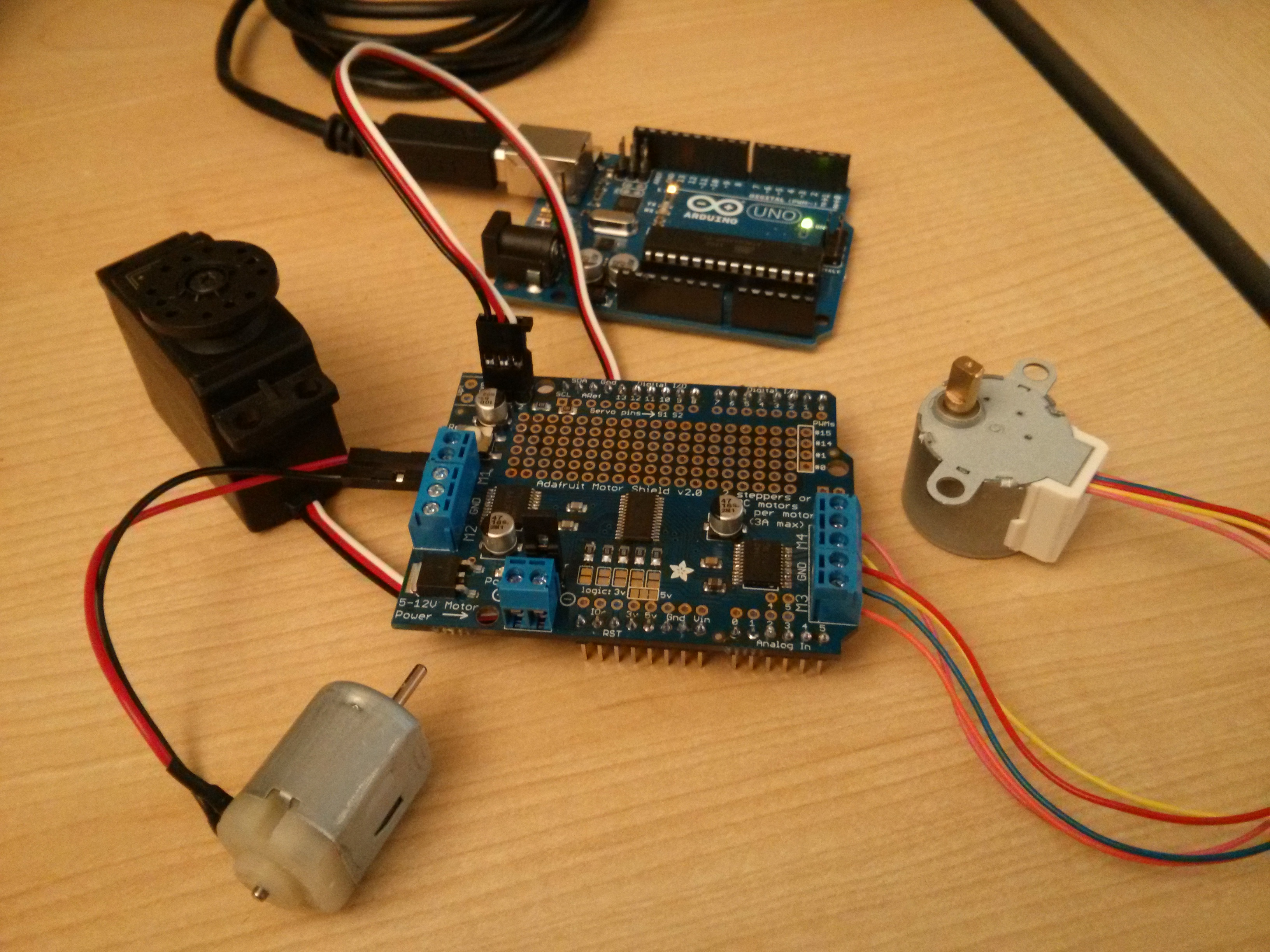 learn_arduino_ArduinoAdafruitMOtorShieldv2.jpg
