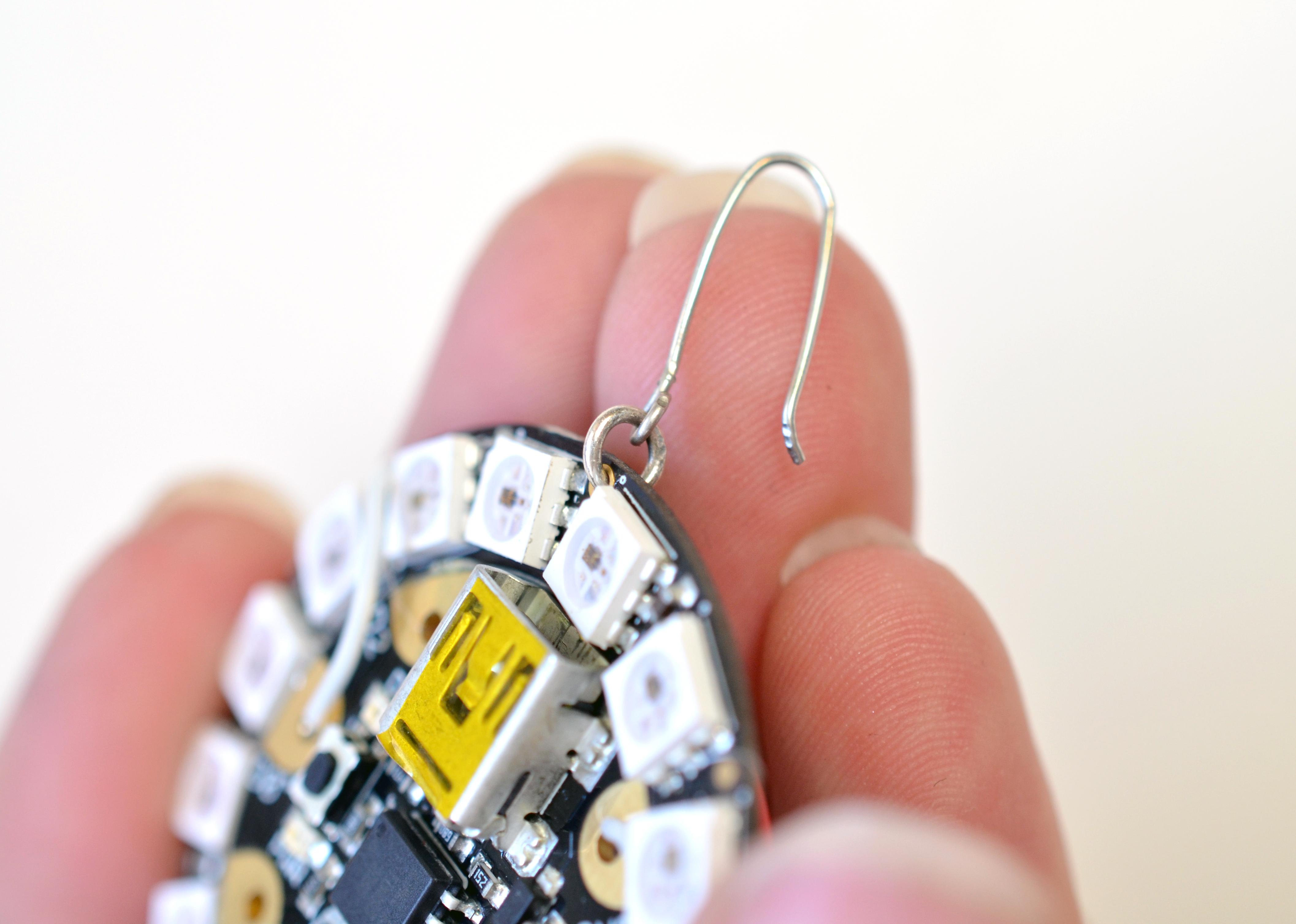 flora_gemma-earrings-adafruit-13.jpg