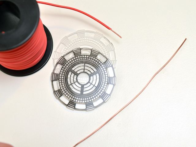 flora_iron-man-arc-reactor-adafruit-08.jpg