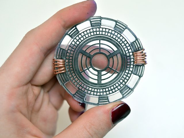 flora_iron-man-arc-reactor-adafruit-12.jpg