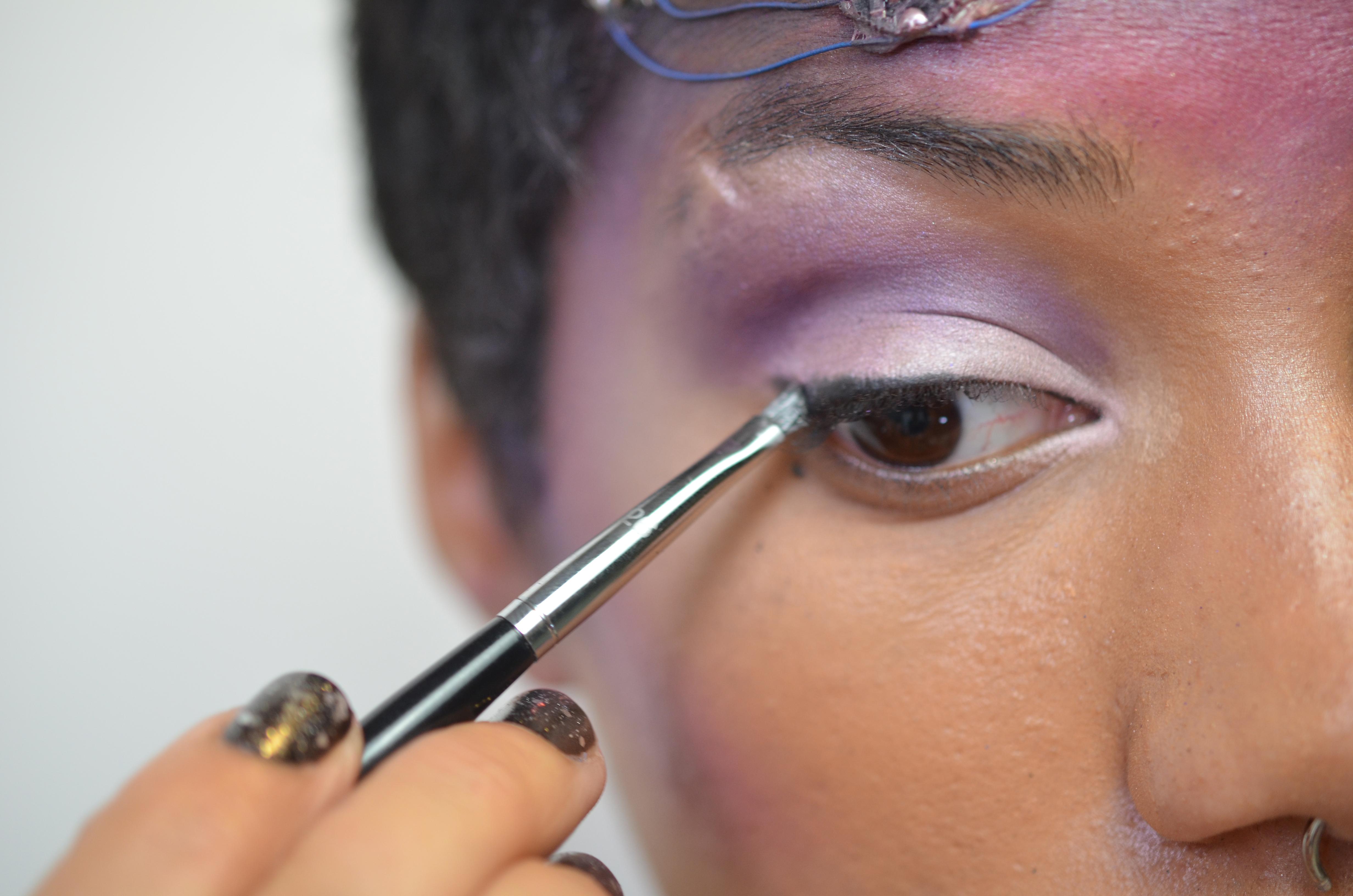 flora_space-face-LED-galaxy-makeup-21.jpg