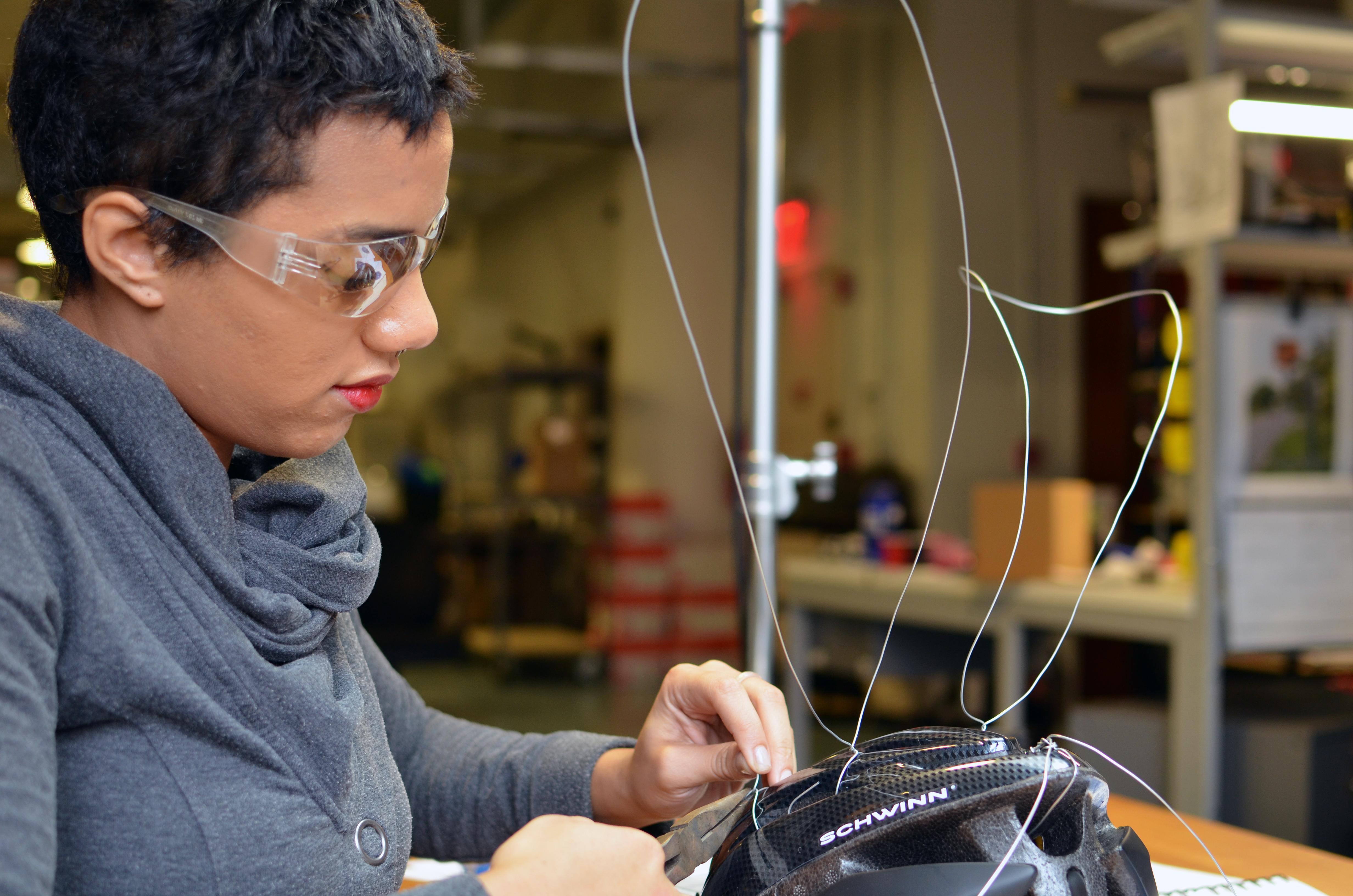 el_wire_tape_panel_el-wire-mask-adafruit-05.jpg