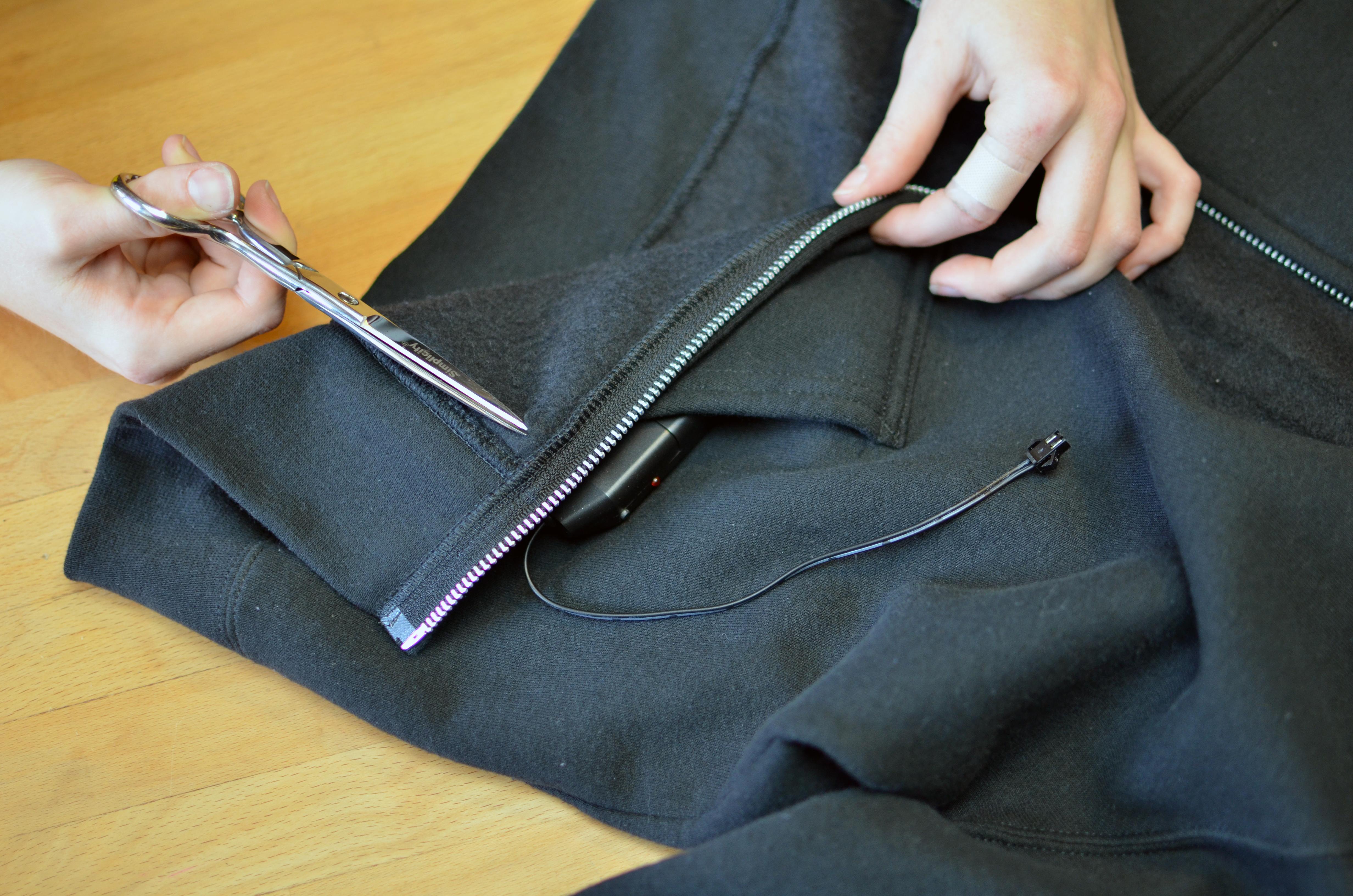 el_wire_tape_panel_el-tron-hoodie-adafruit-03.jpg