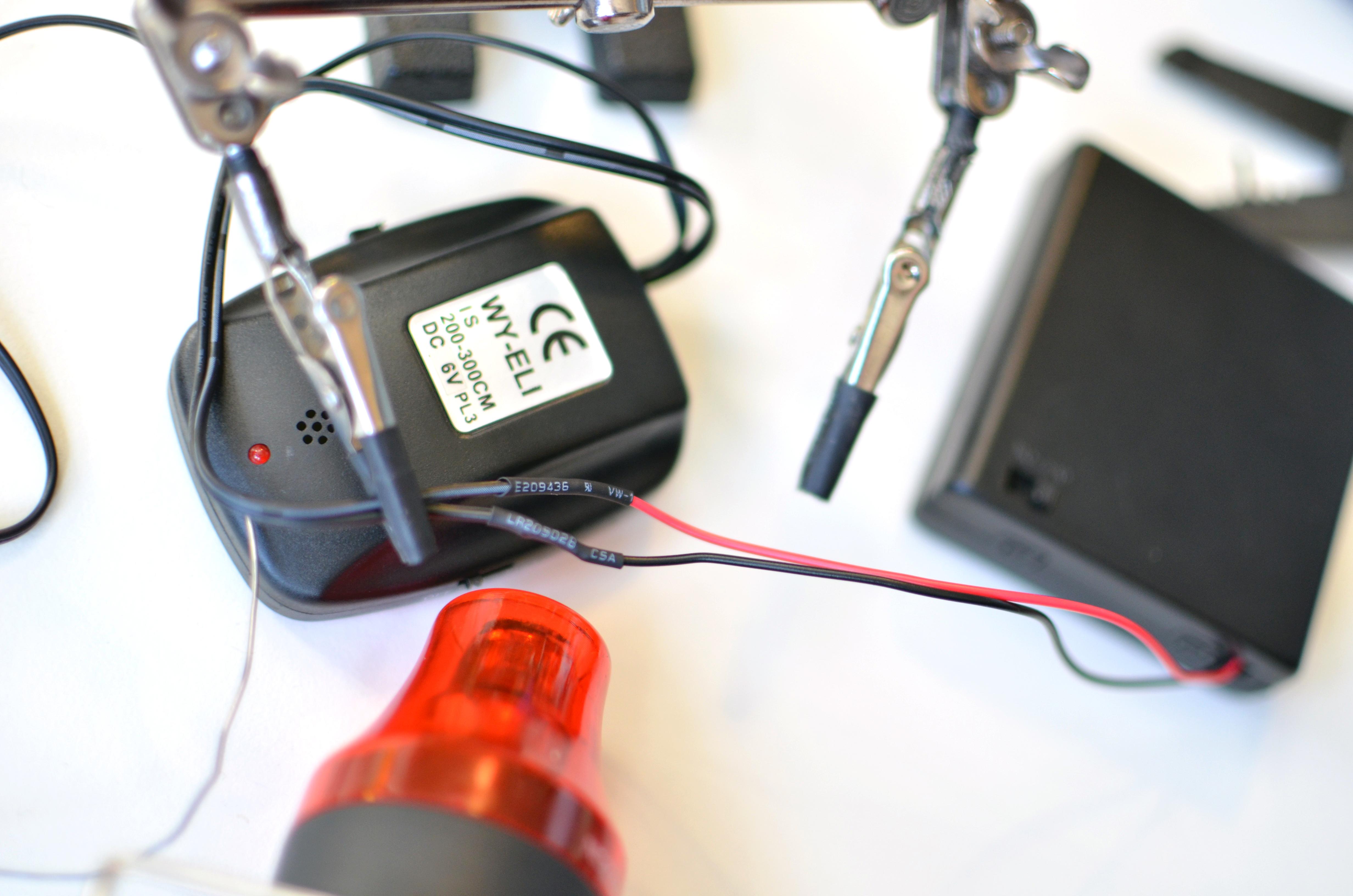 el_wire_tape_panel_el-tron-hoodie-adafruit-01.jpg