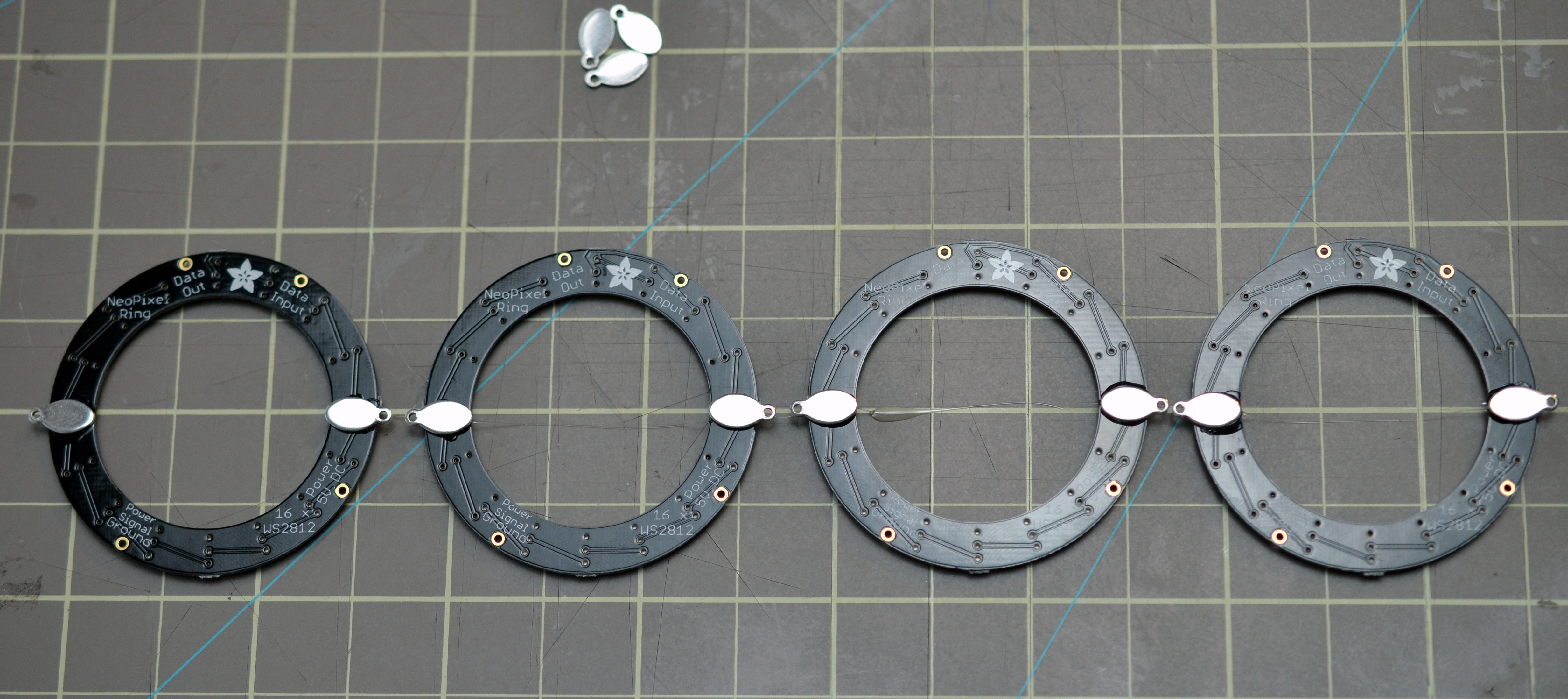 flora_neopixel-bangle-bracelet-00.jpg