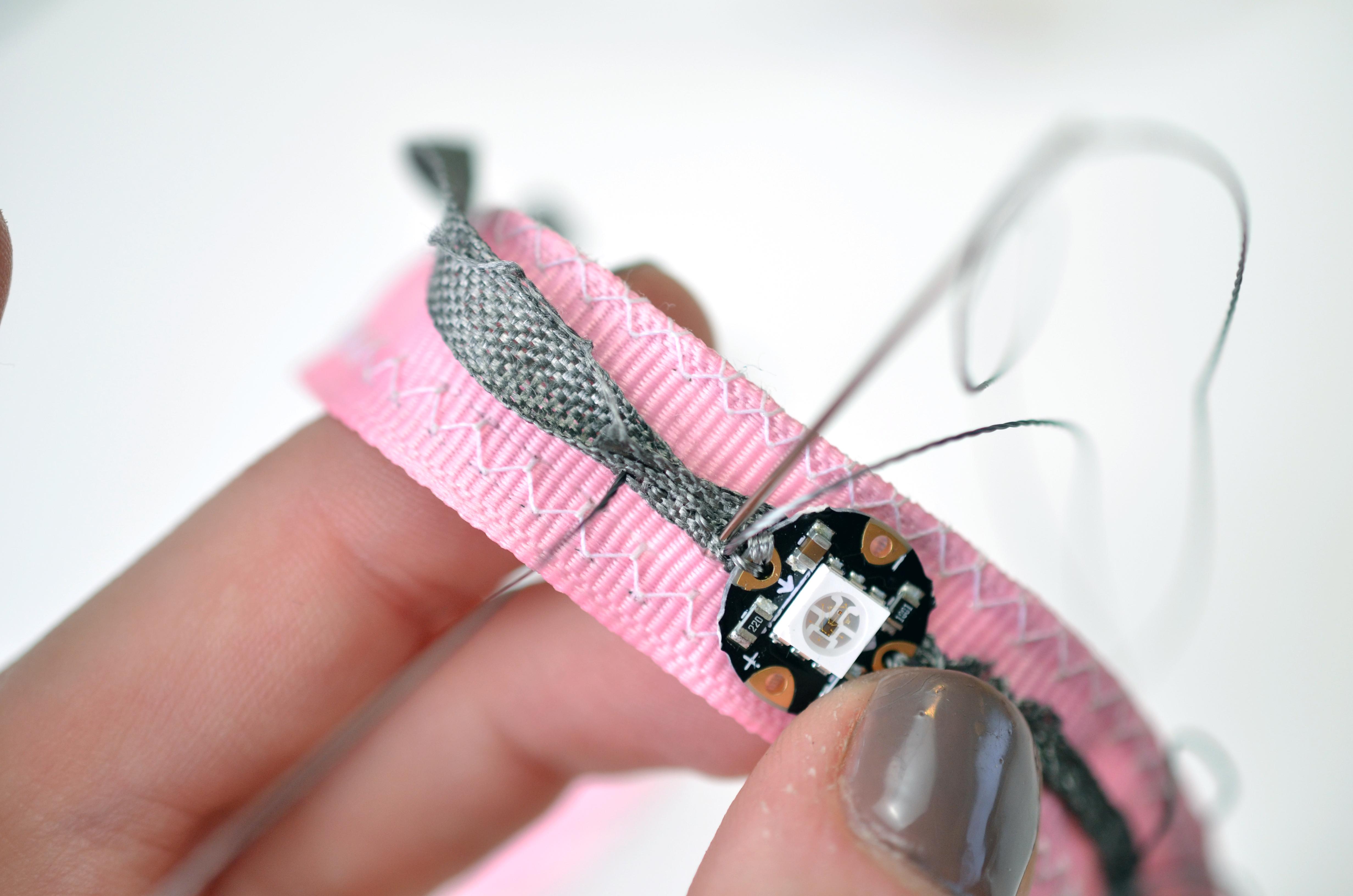 flora_chameleon-scarf-ribbon.jpg