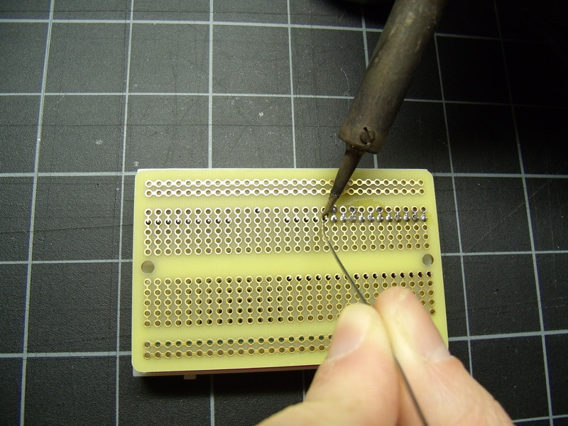 hacks_008_soldering_the_pcb.resized.jpg