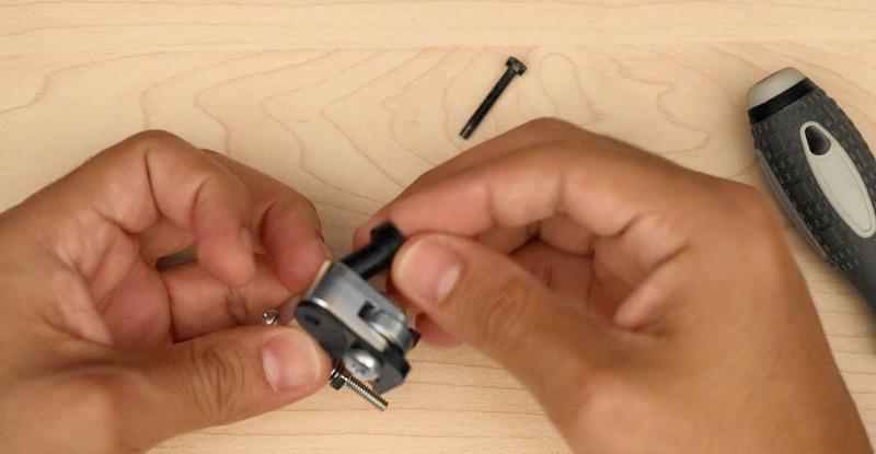 3d_printing_attach-top-screw-holder.jpg