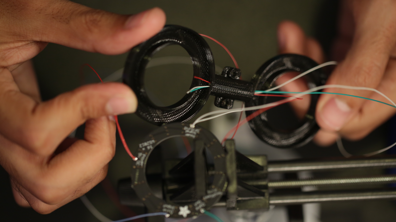 leds_ring-frame-wires.jpg