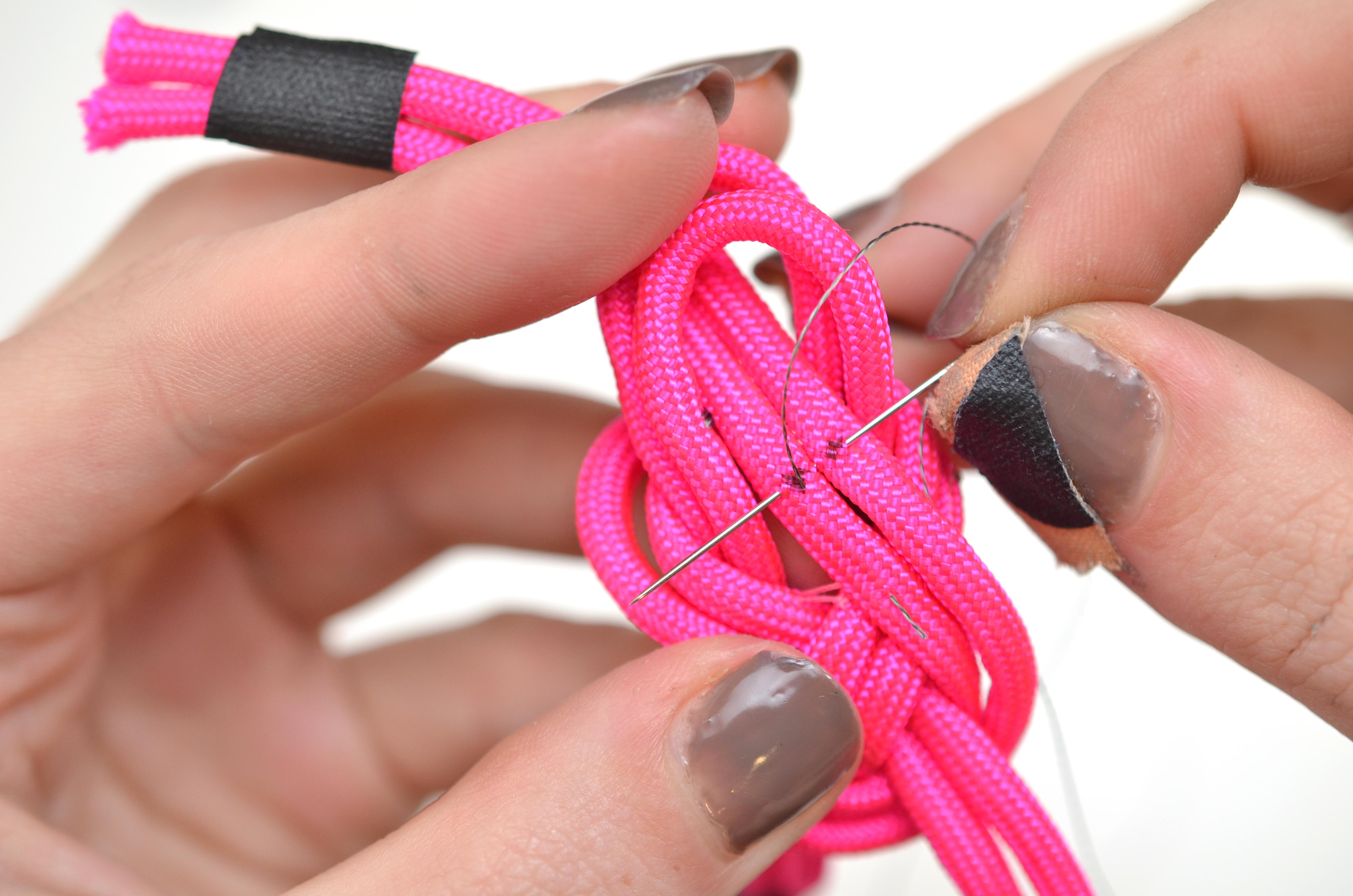 leds_nautical-paracord-led-sequin-friendship-bracelet-24.jpg