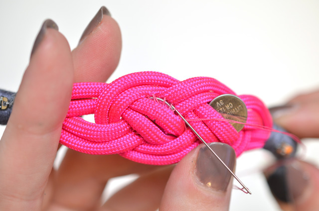 leds_nautical-paracord-led-sequin-friendship-bracelet-60.jpg