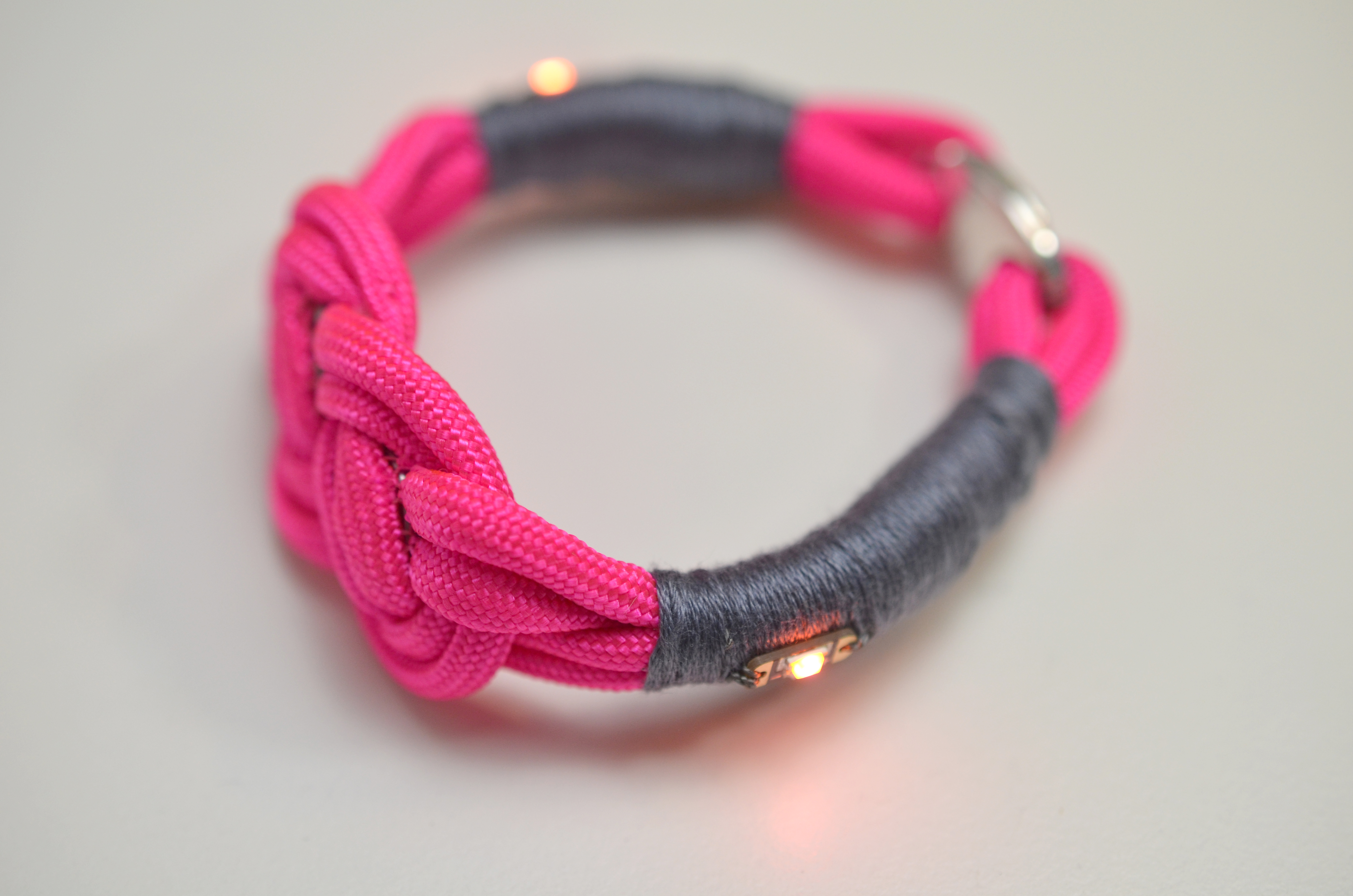 leds_nautical-paracord-led-sequin-friendship-bracelet-62.jpg