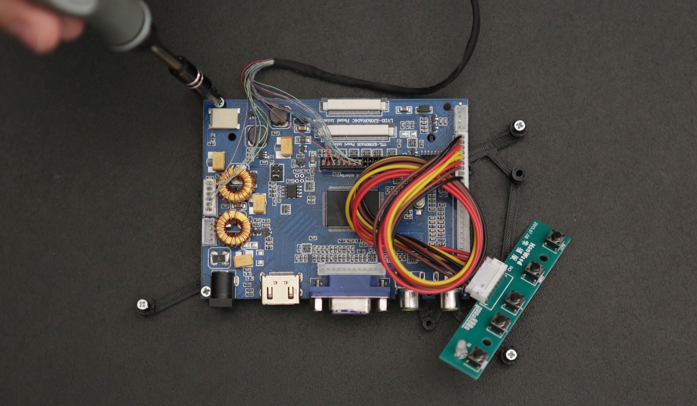 sensors_screw-board-to-tray.jpg