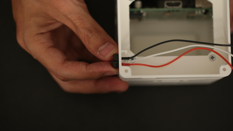 raspberry_pi_insert_slide_switch.jpg