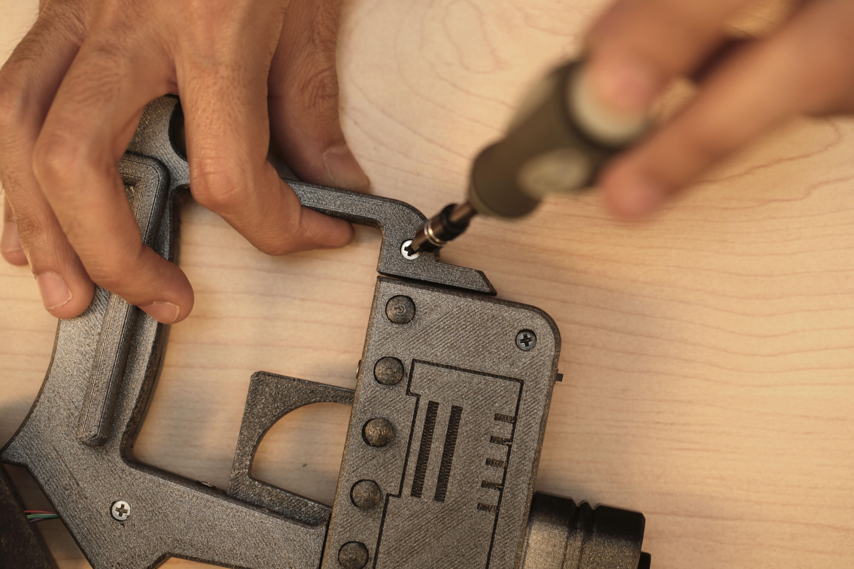 proximity_bottom-handle-screw.jpg