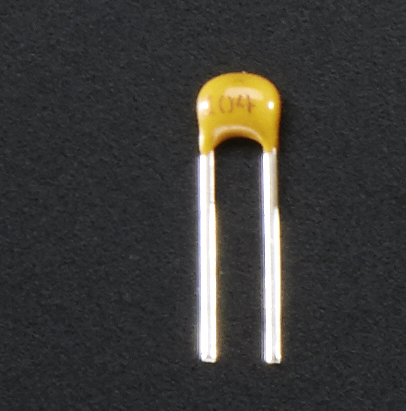 learn_arduino_capacitor.jpg