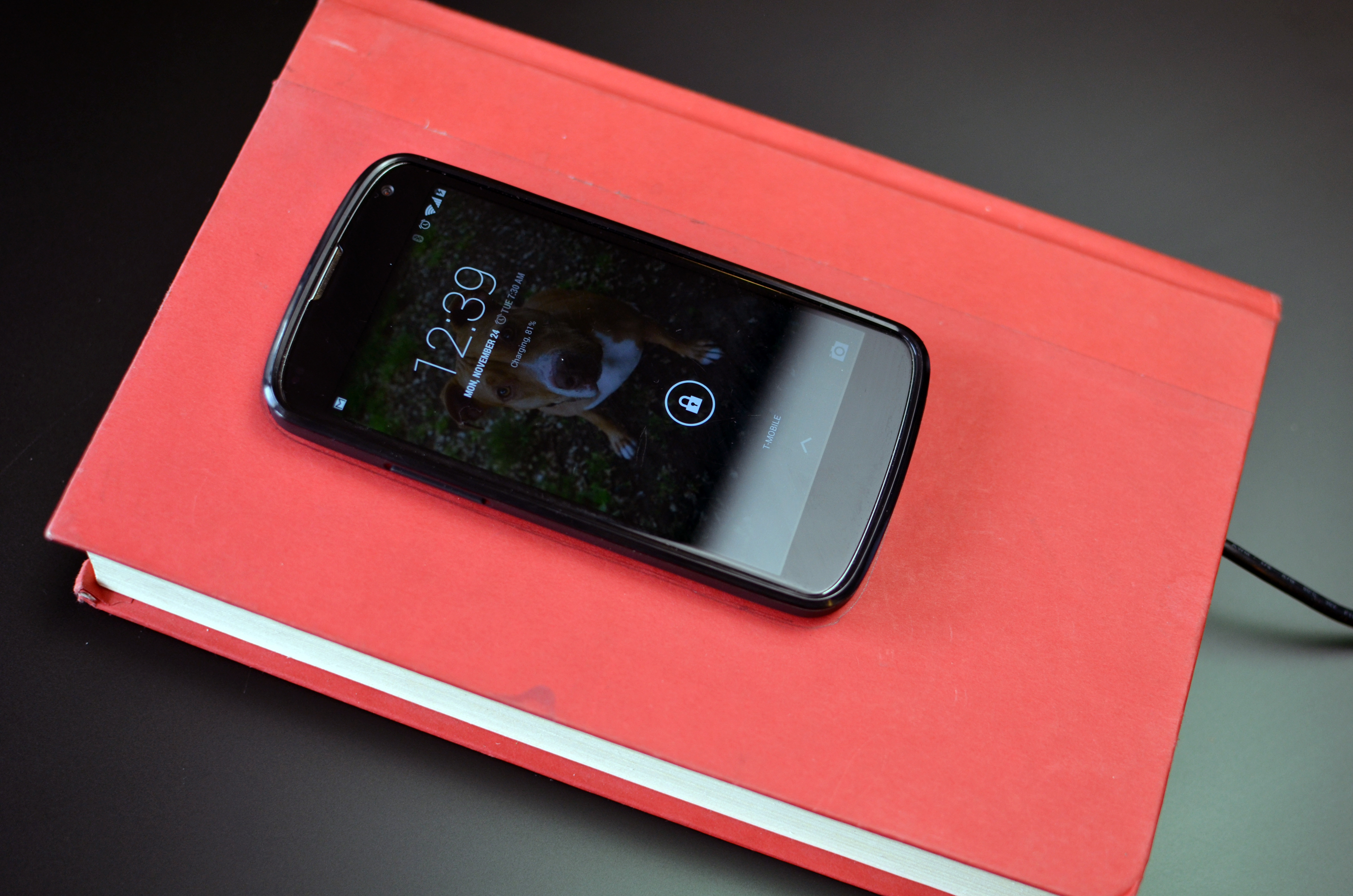 projects_qi-charging-book-14.jpg