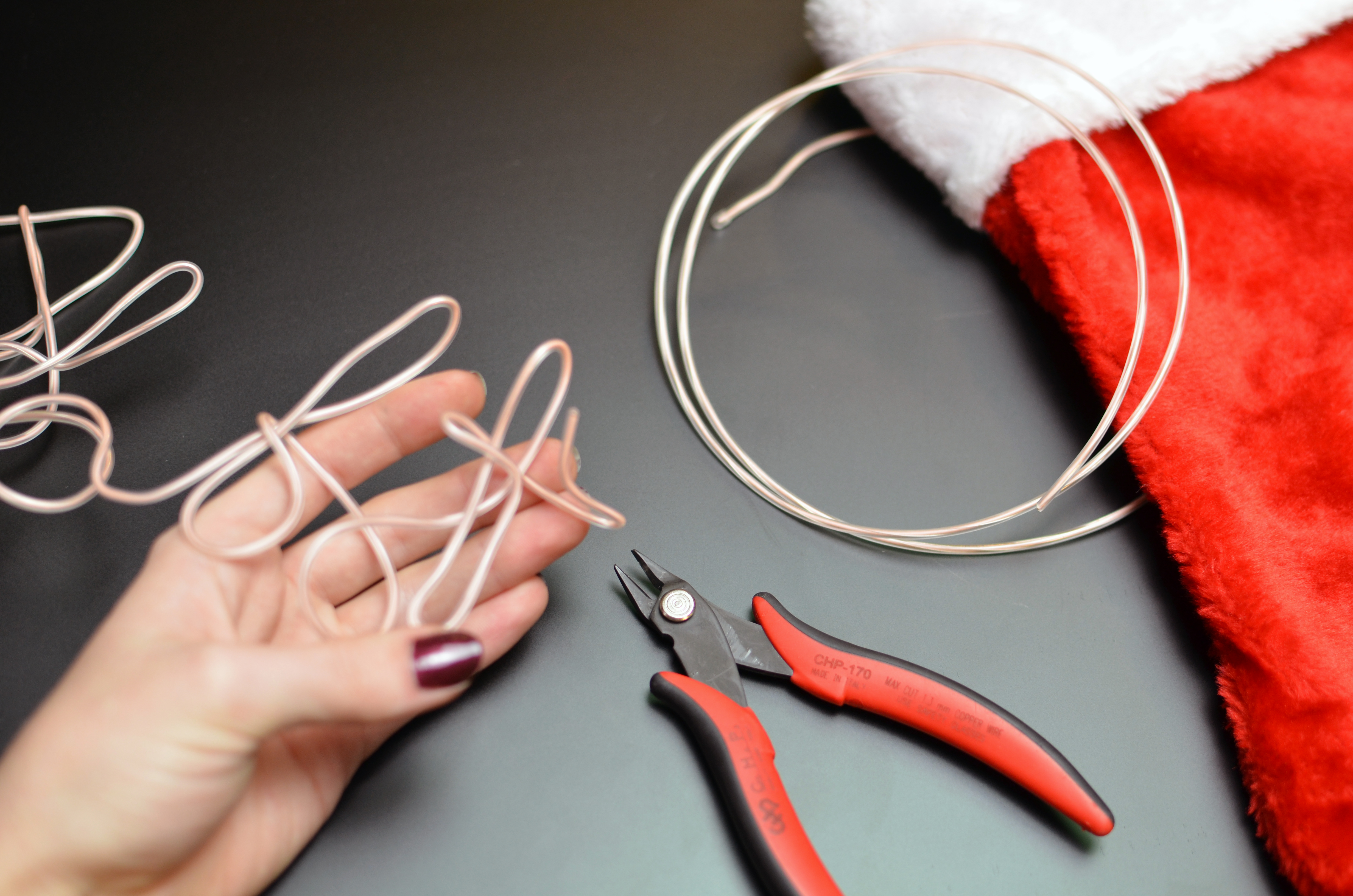 el_wire_tape_panel_el-wire-stocking-02.jpg