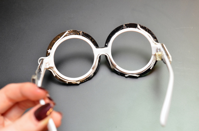 trinket_neopixel-nye-glasses-09.jpg