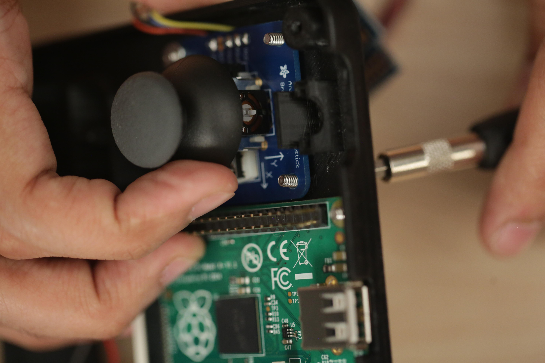 gaming_joystick-screw.jpg