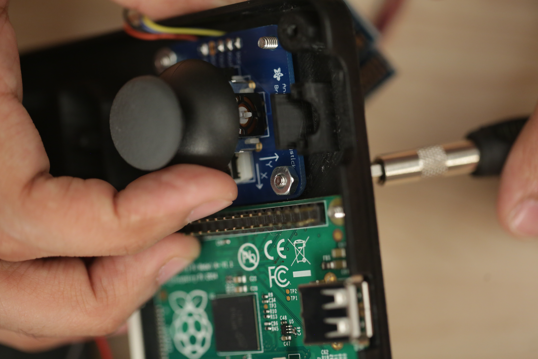 gaming_joystick-screw-nuts.jpg