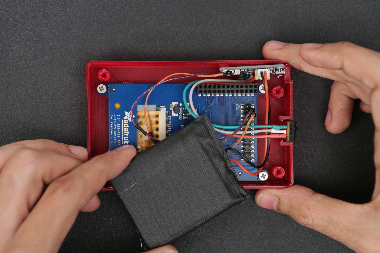 raspberry_pi_display-battery-insert.jpg