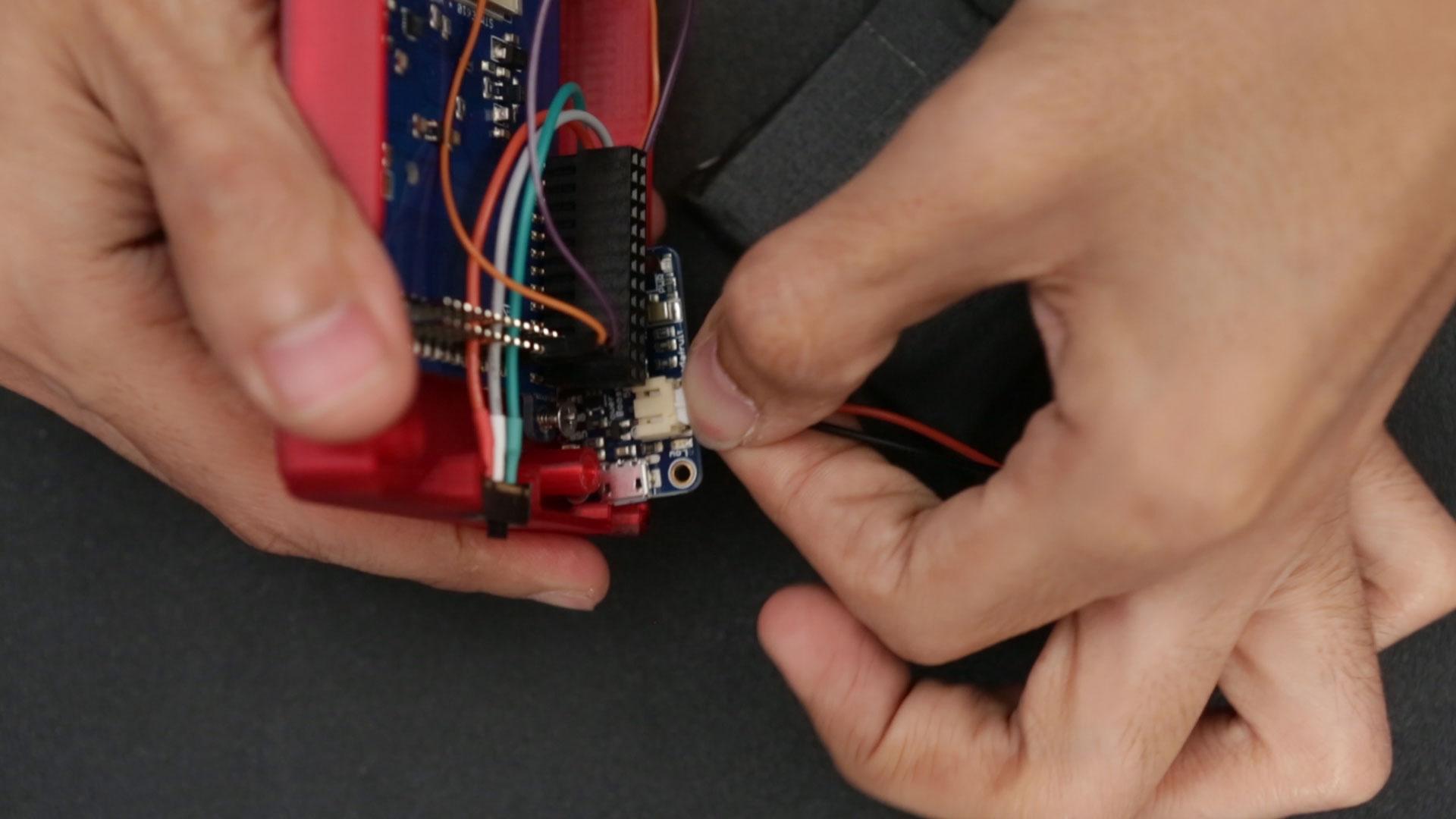 raspberry_pi_battery-plug.jpg