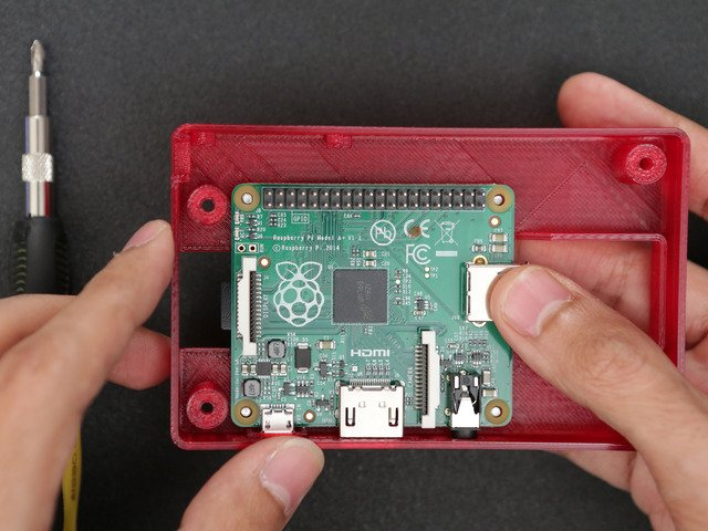 raspberry_pi_case-pi-install.jpg