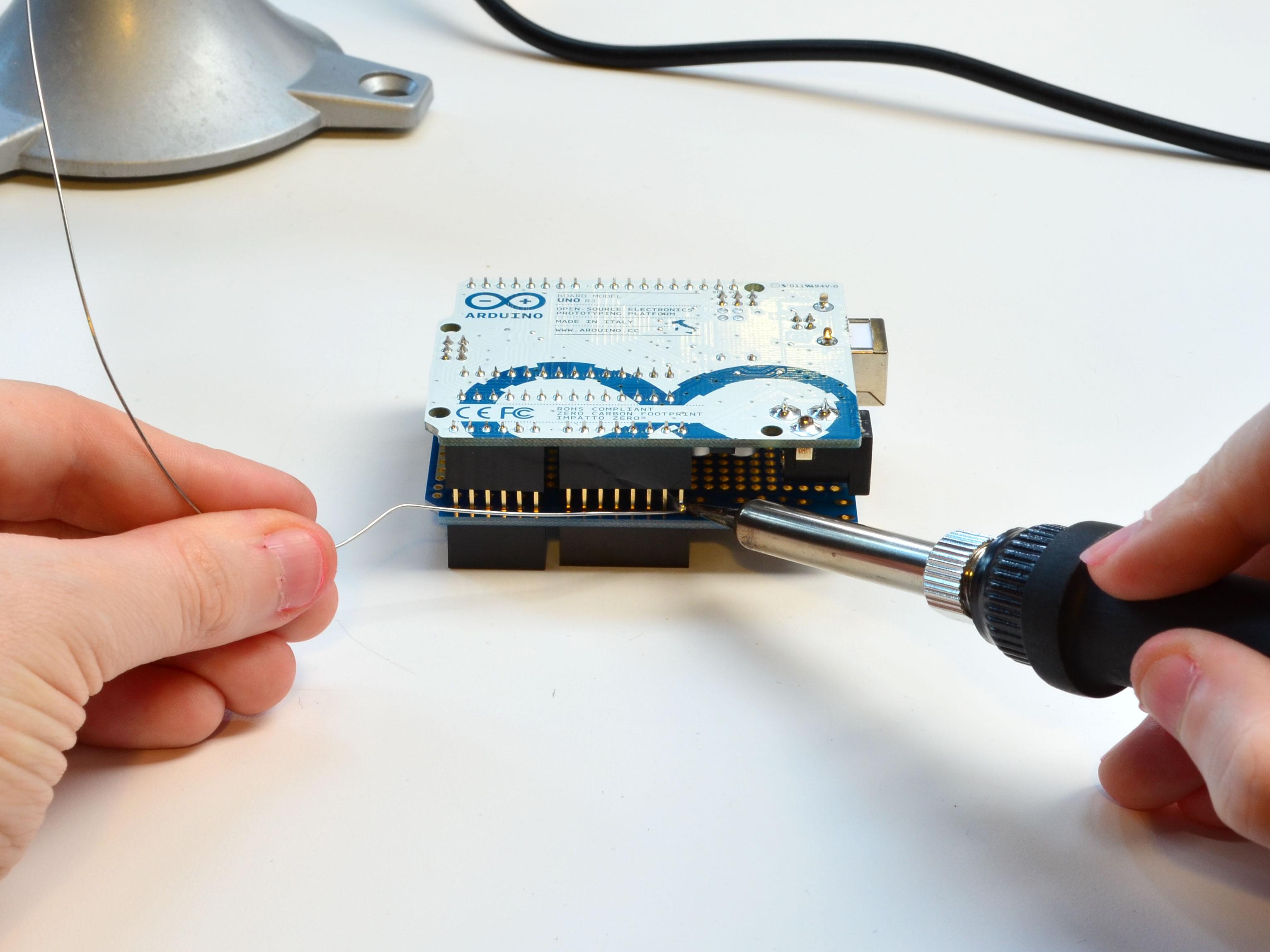 learn_arduino_solder1.jpg