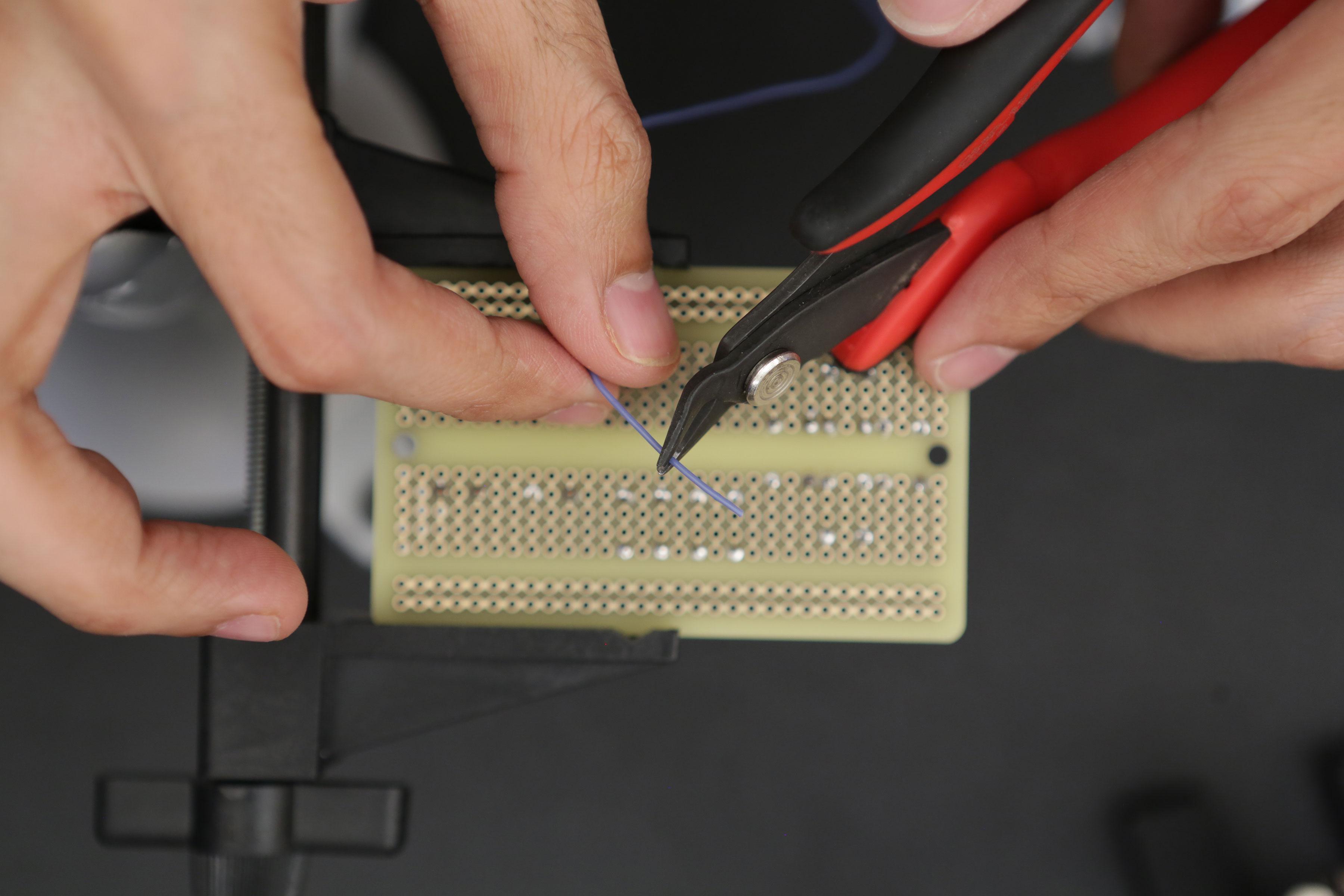 gaming_button-ground-wire-cut.jpg